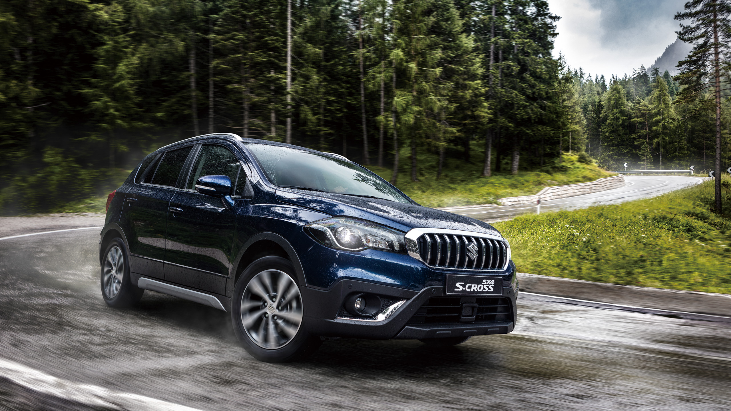 SX4-S-CROSS-driving-on-wet-winding-road